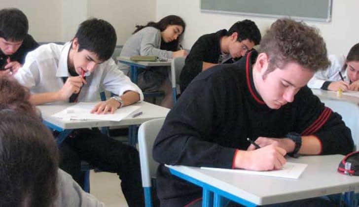 estudiantes del INEFOP